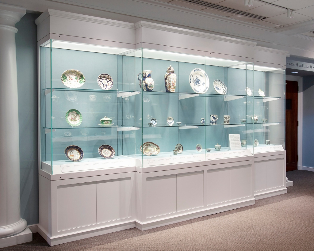 Archa wall display case_Chrysler museum of art