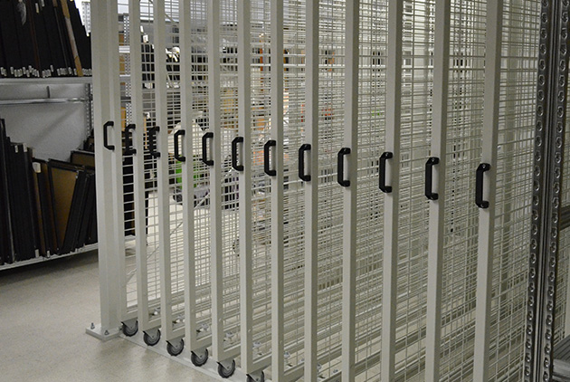 Pull-out mesh systems